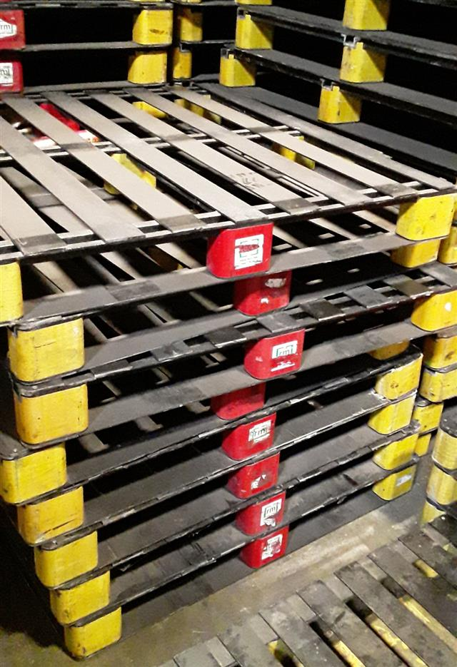 36150 - For Sale: 20,000 Plastic Pallets - Odd Size USA