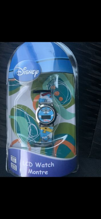 39019 - NEW LICENSED DISNEY & MARVEL WATCHES USA